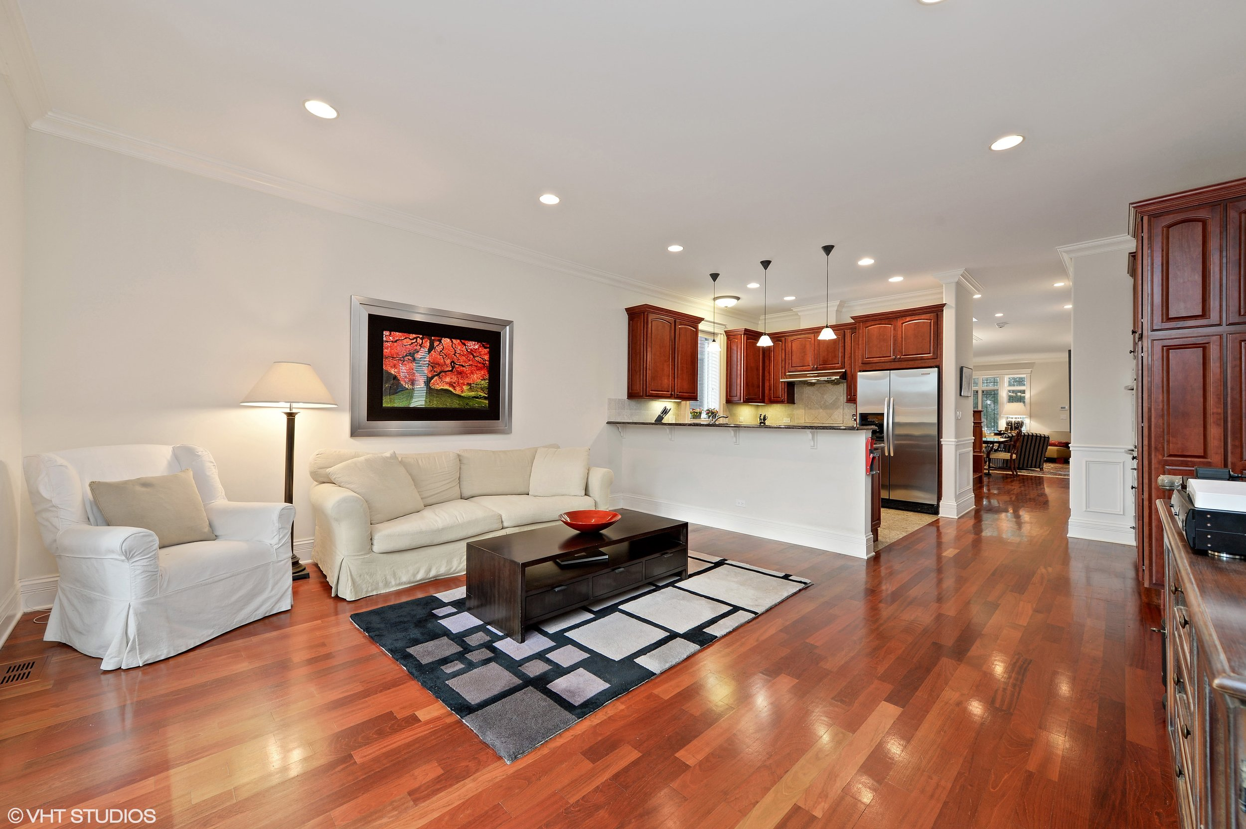 08_3212SouthThroopSt_3001_FamilyRoom_HiRes.jpg