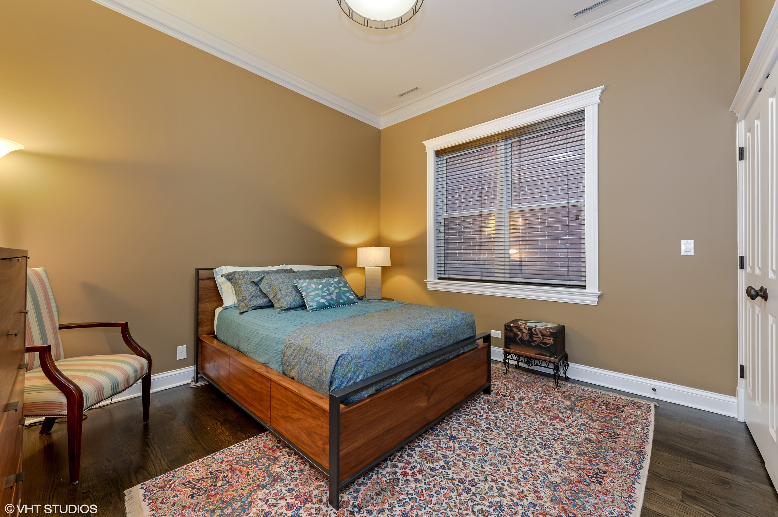 11_3330NorthAshlandAve_2_153_2ndBedroom_HiRes.jpg