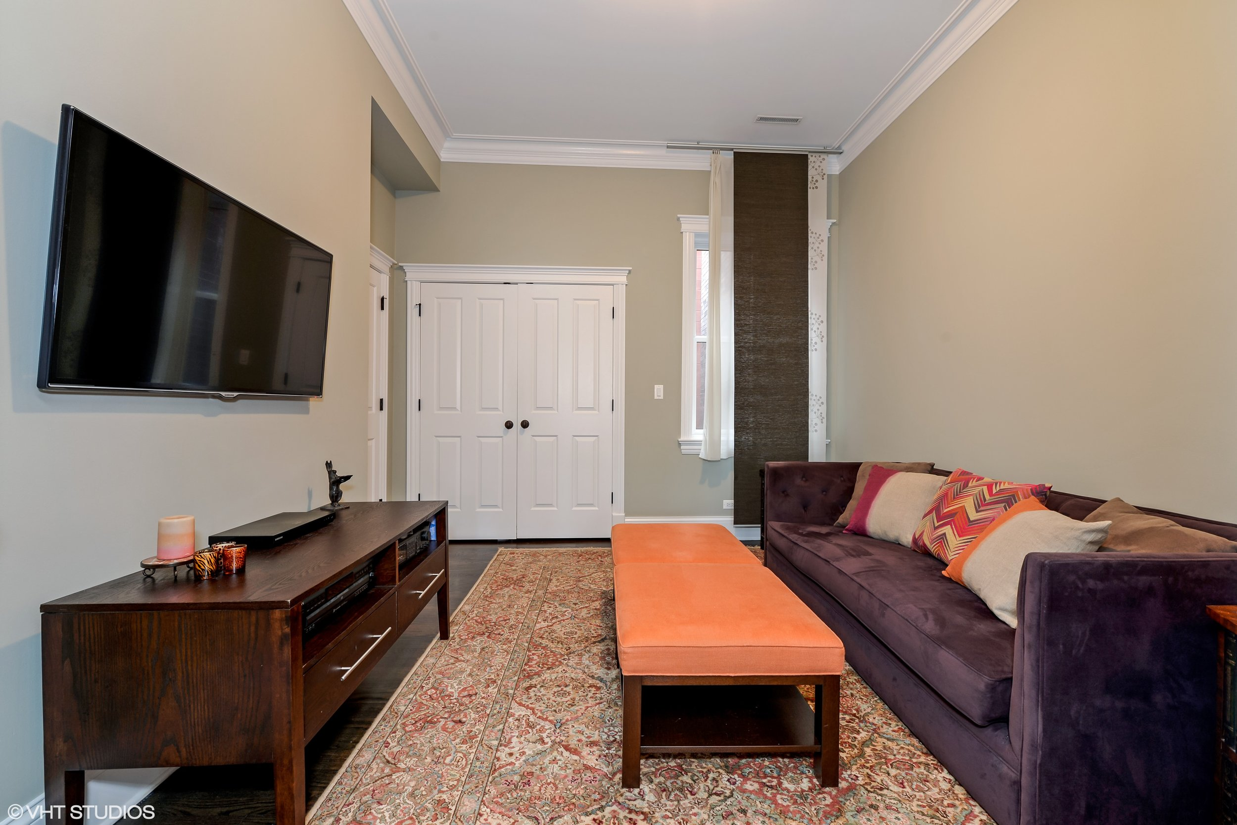 12_3330NorthAshlandAve_2_154_3rdBedroom_HiRes.jpg