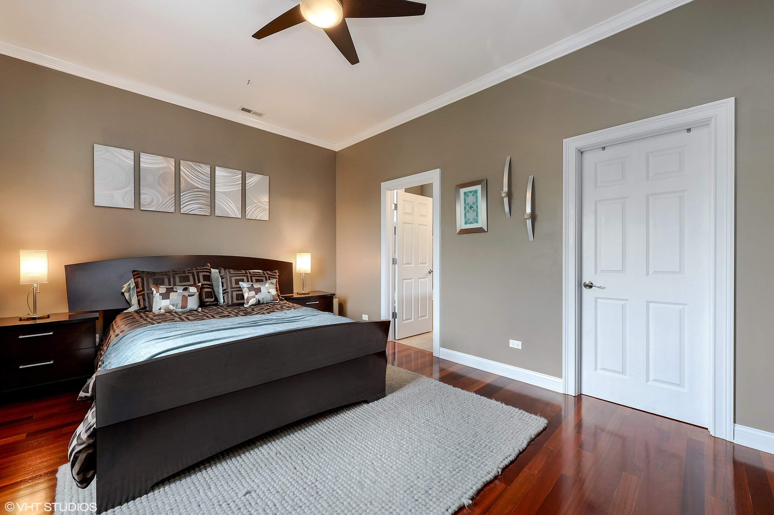 08_2641NorthAshlandAve_3S_178_MasterBedroom_HiRes.jpg
