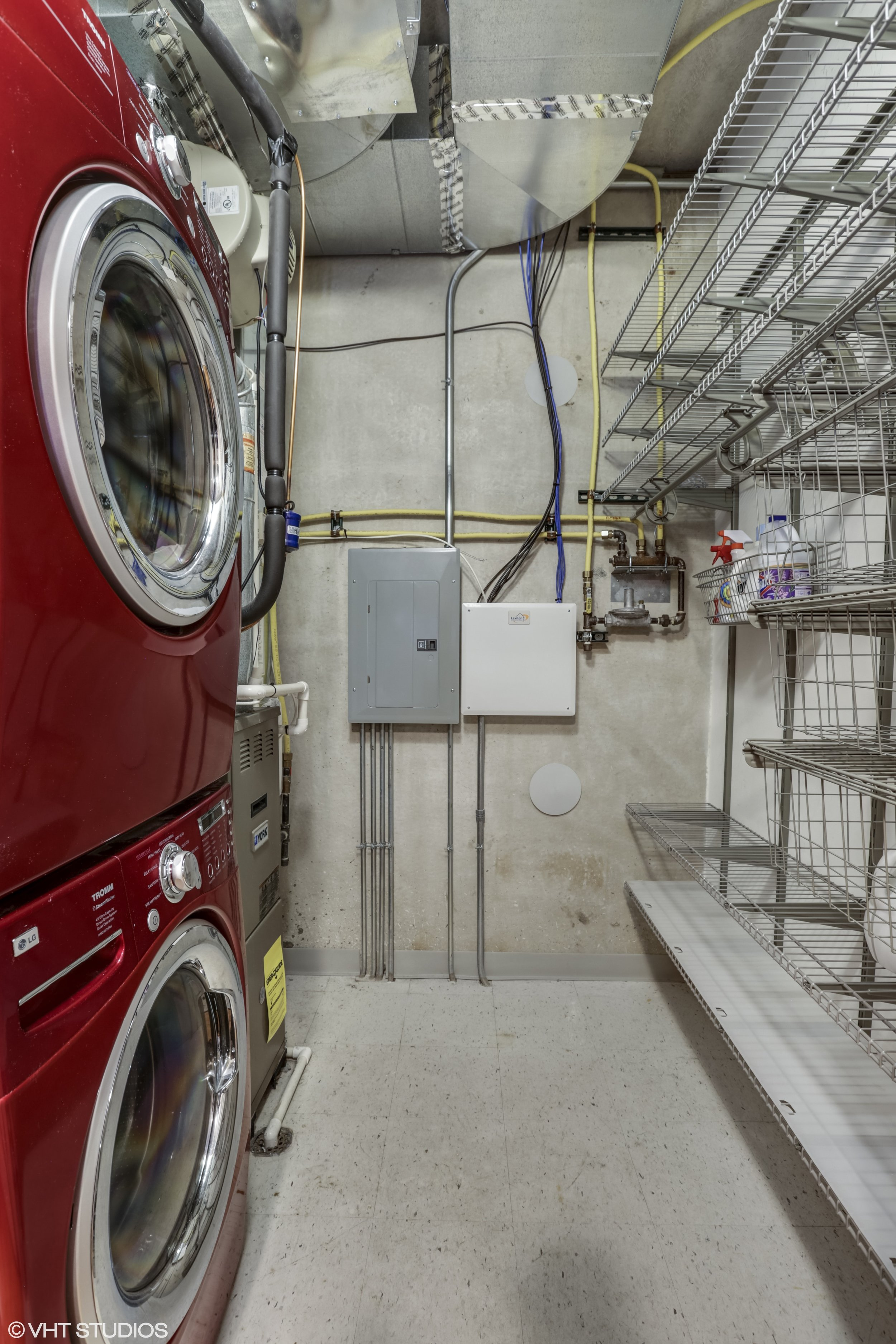 15_5430NorthSheridanRd_308_44_LaundryRoom_HiRes.jpg