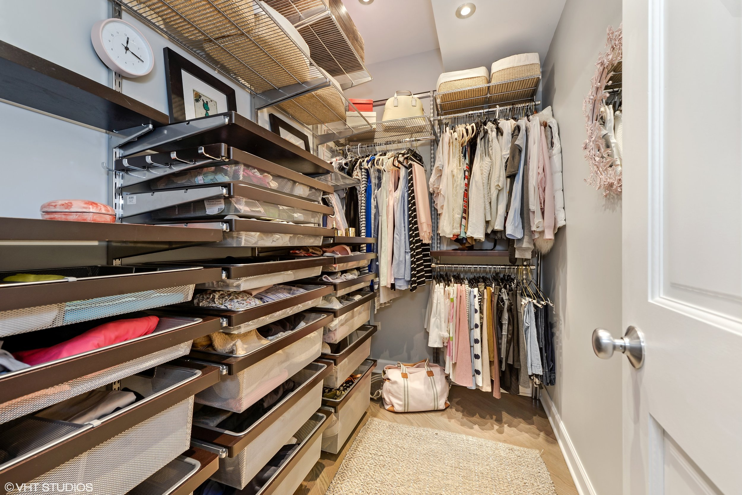 10_1547NorthNorthParkAve_G_45_MasterBedroomCloset_HiRes.jpg