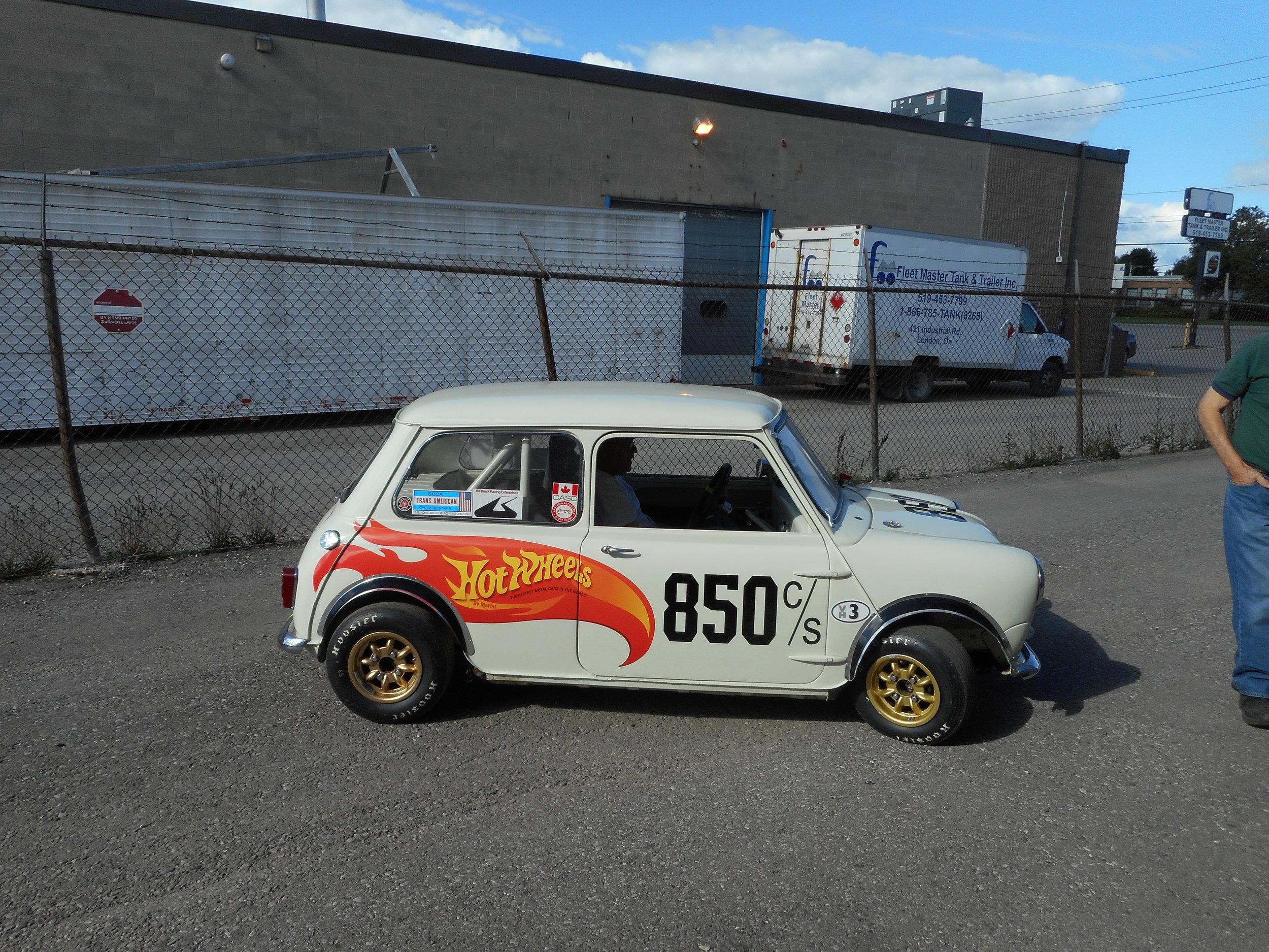 Hot Wheels mini racer.jpg