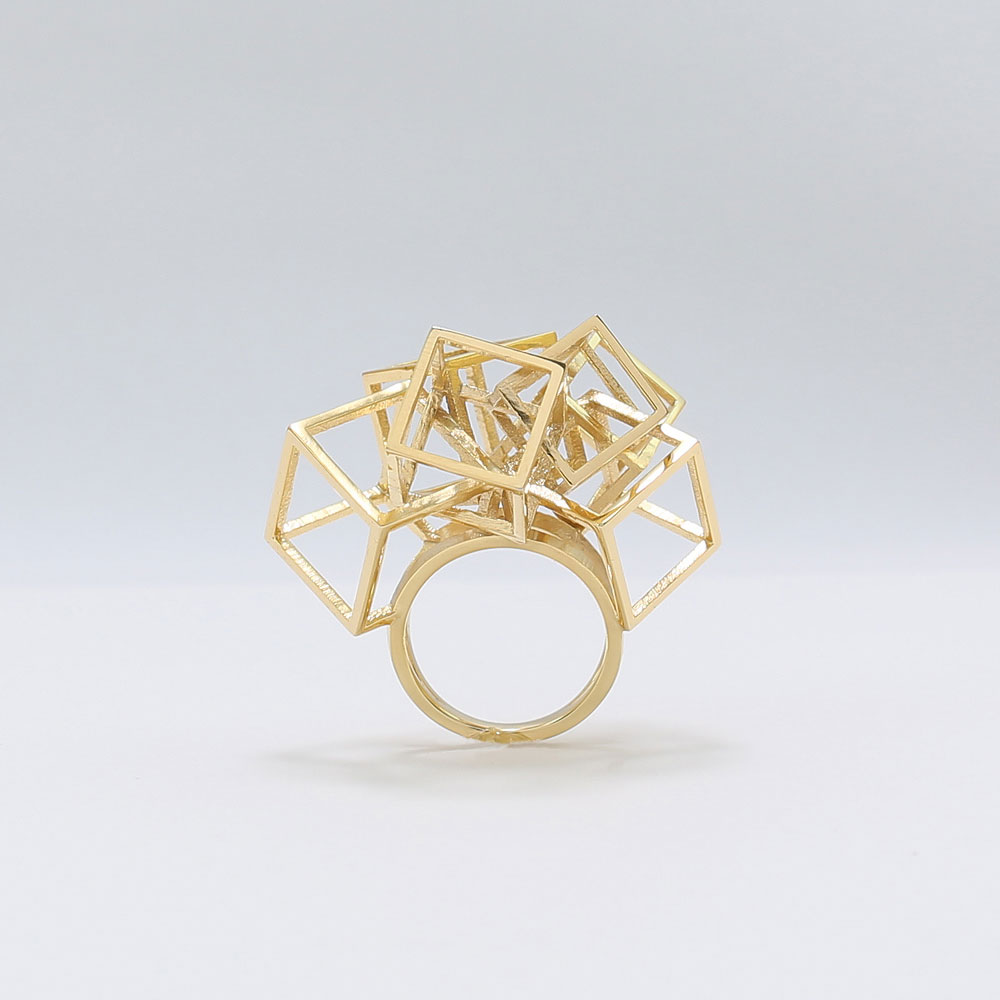 zimarty_wearable_architecture_3d_print_ring_zicube_gold_01.jpg