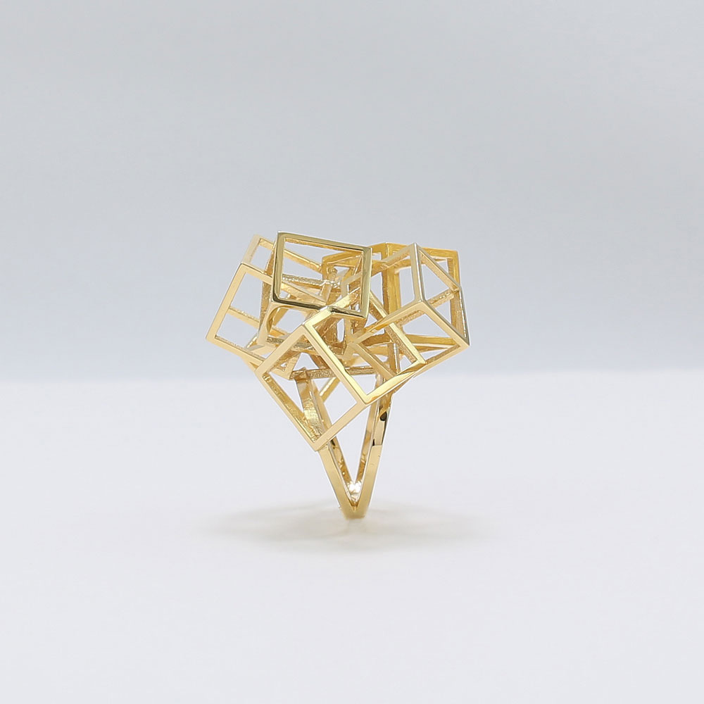 zimarty_wearable_architecture_3d_print_ring_zicube_gold_03.jpg