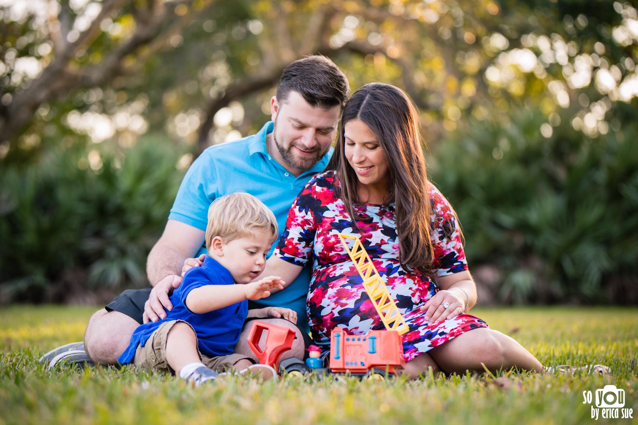 maternity-matheson-hammock-family-of-three-5641.jpg