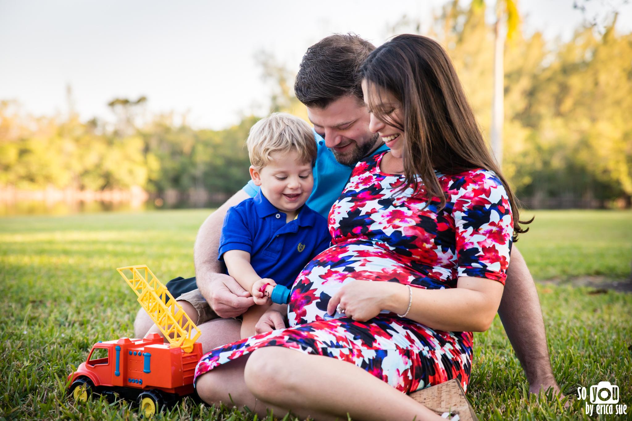 maternity-matheson-hammock-family-of-three-5680.jpg