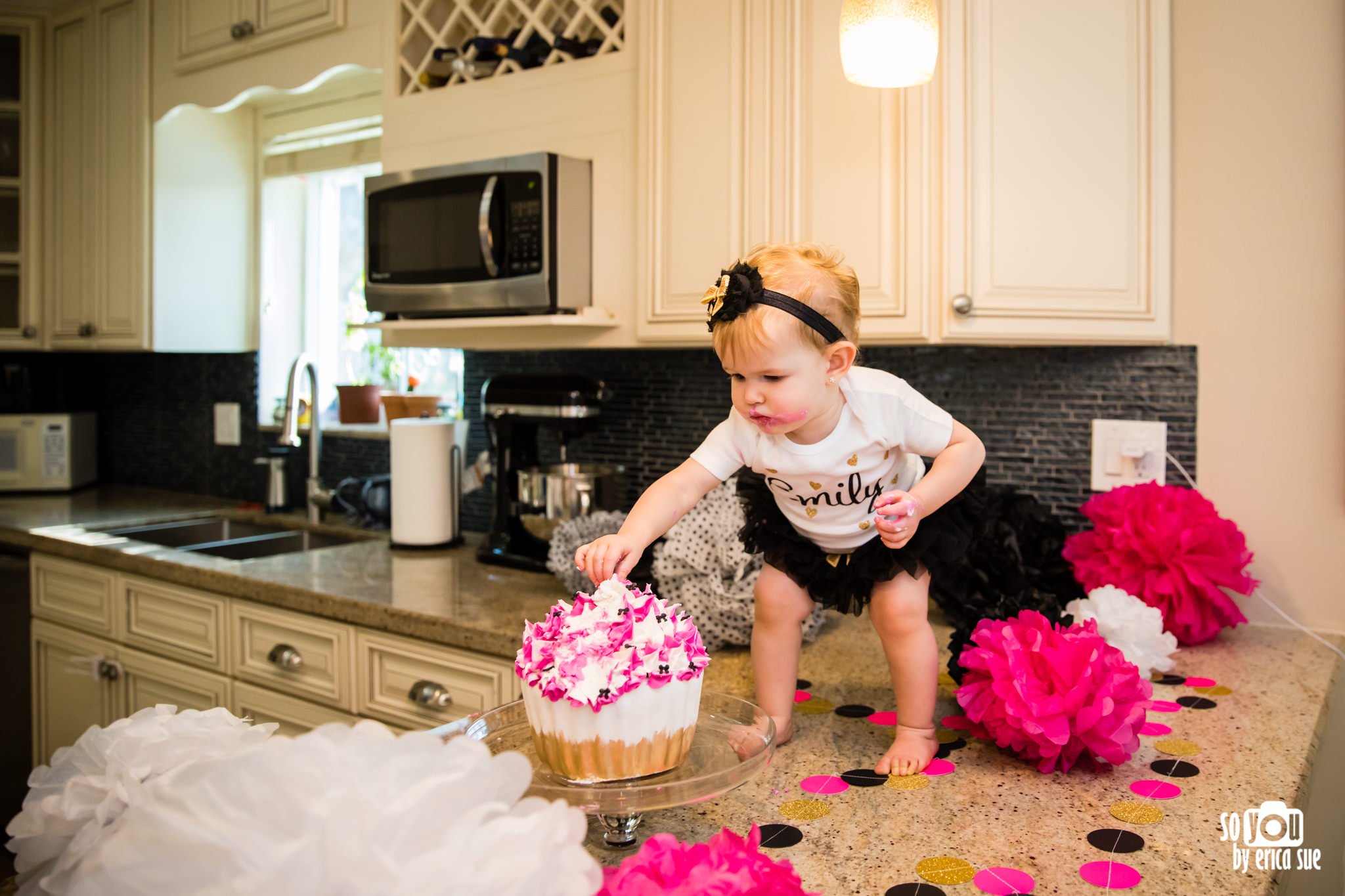 so-you-by-erica-sue-hollywood-fl-photographer-in-home-lifestyle-1st-birthday-cake-smash-3945.jpg