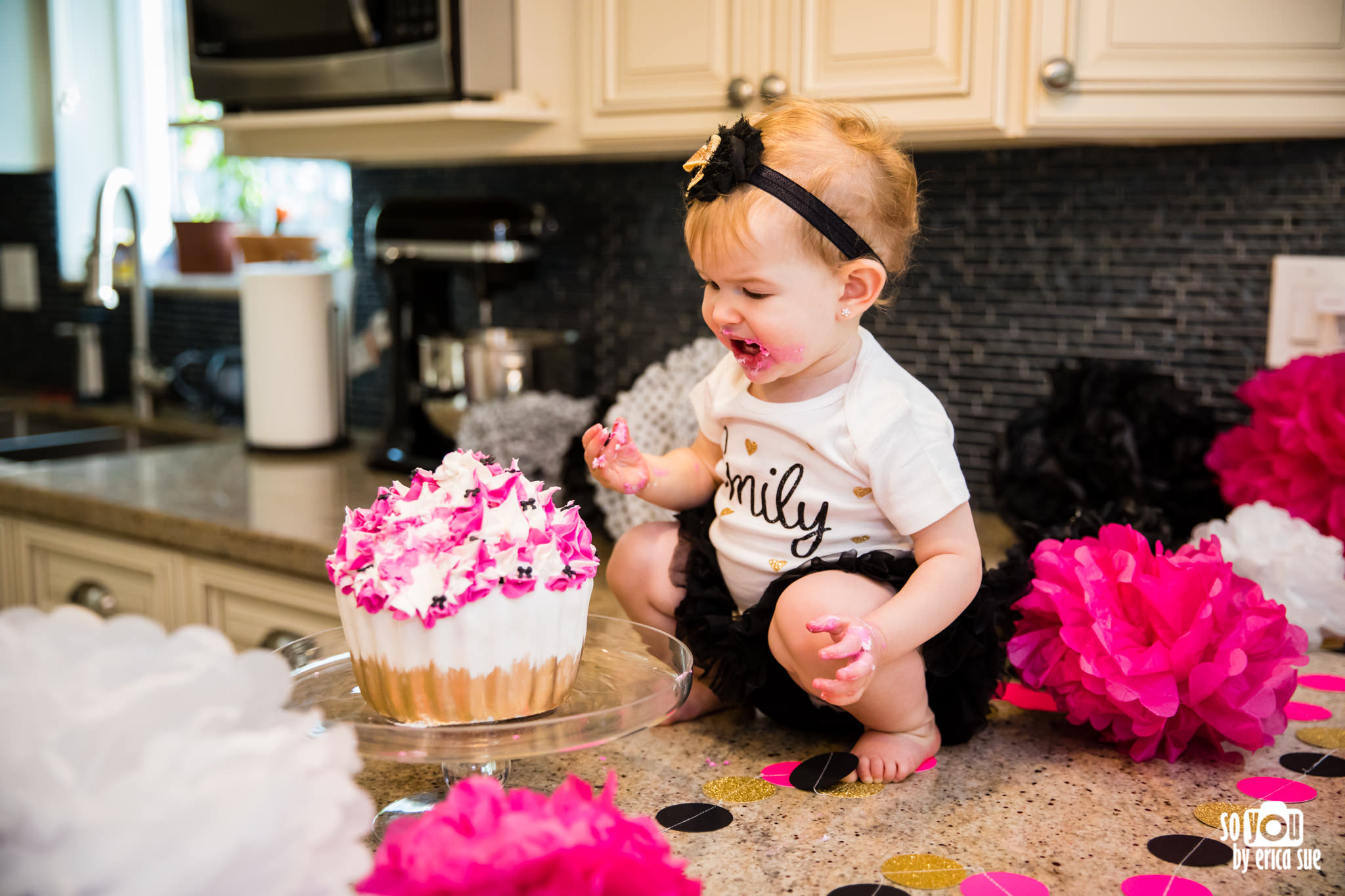 so-you-by-erica-sue-hollywood-fl-photographer-in-home-lifestyle-1st-birthday-cake-smash-3955.jpg