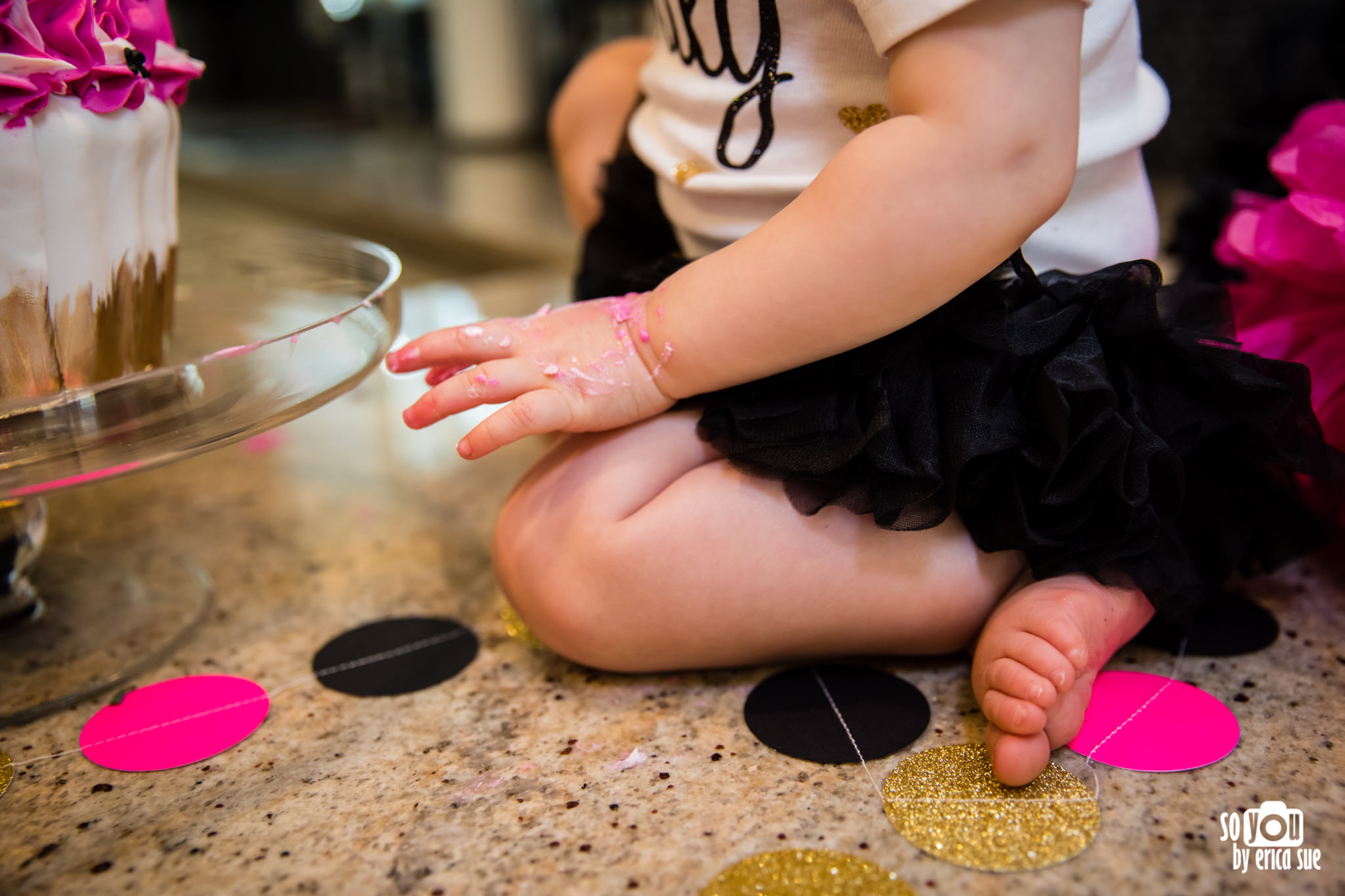 so-you-by-erica-sue-hollywood-fl-photographer-in-home-lifestyle-1st-birthday-cake-smash-3961.jpg