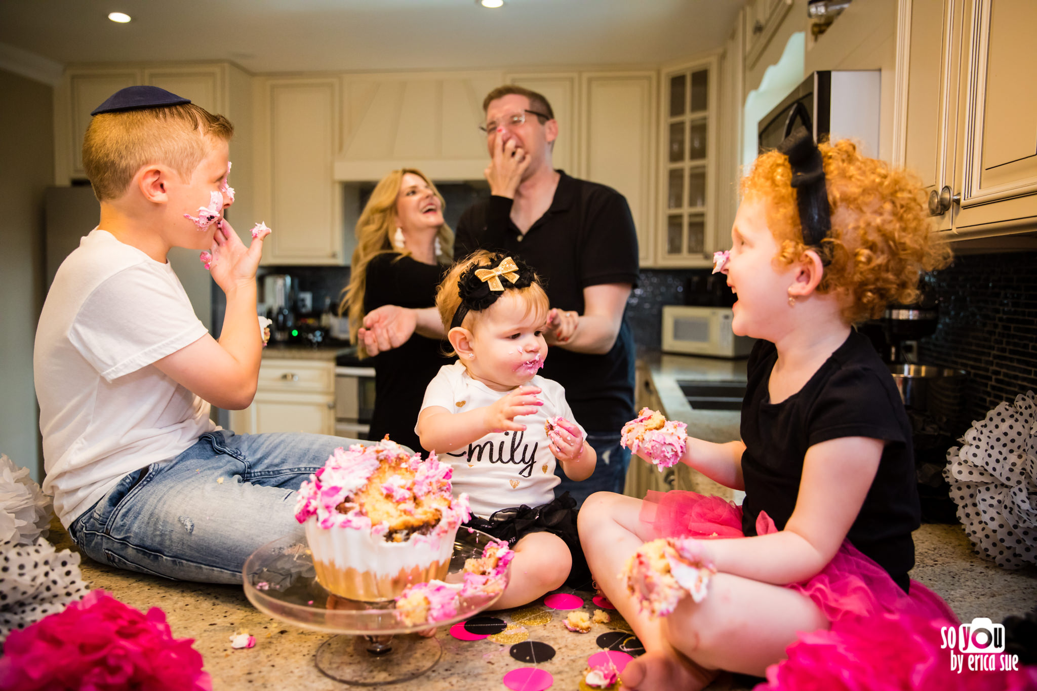 so-you-by-erica-sue-hollywood-fl-photographer-in-home-lifestyle-1st-birthday-cake-smash-4024.jpg