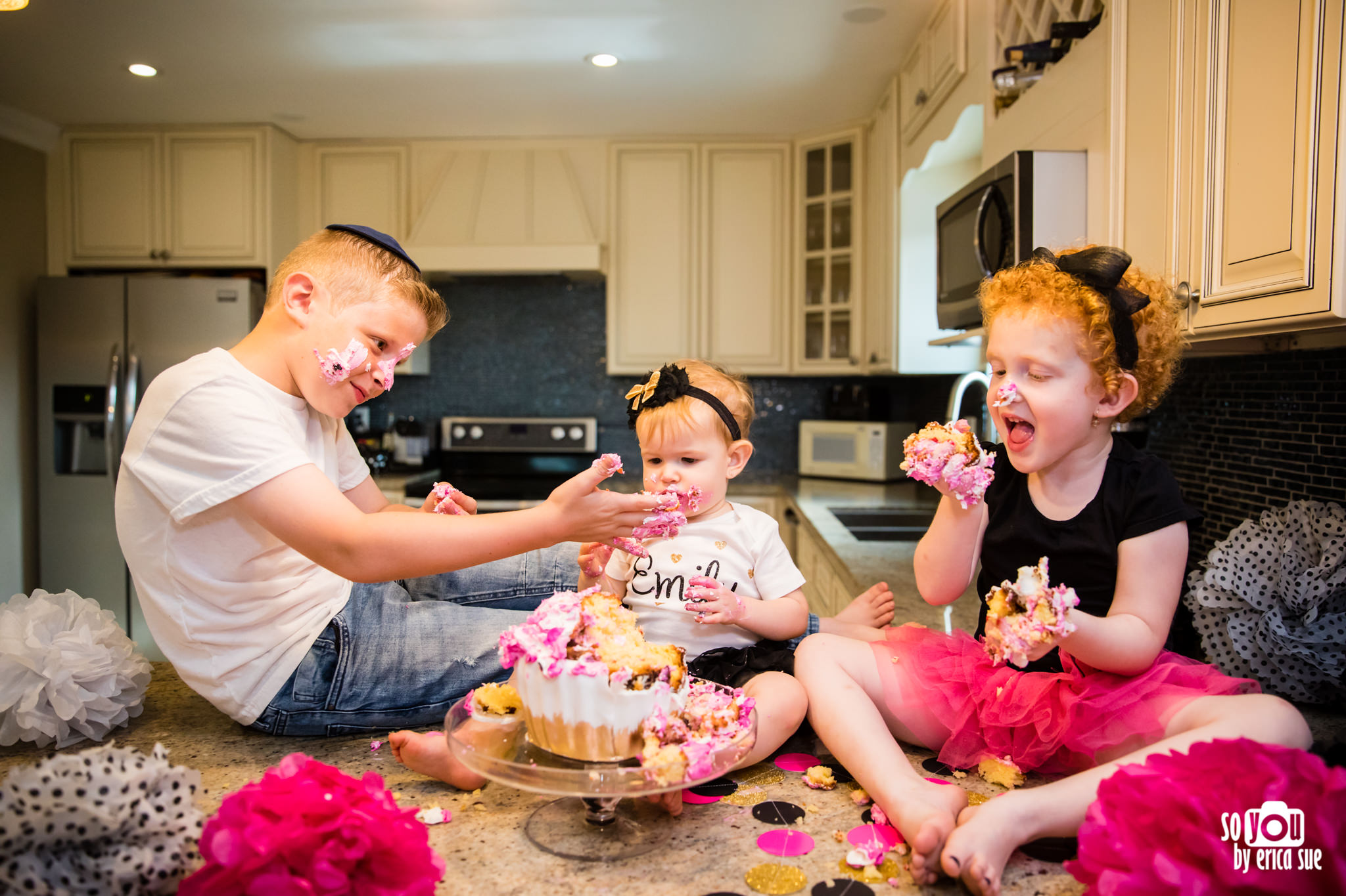 so-you-by-erica-sue-hollywood-fl-photographer-in-home-lifestyle-1st-birthday-cake-smash-4040.jpg