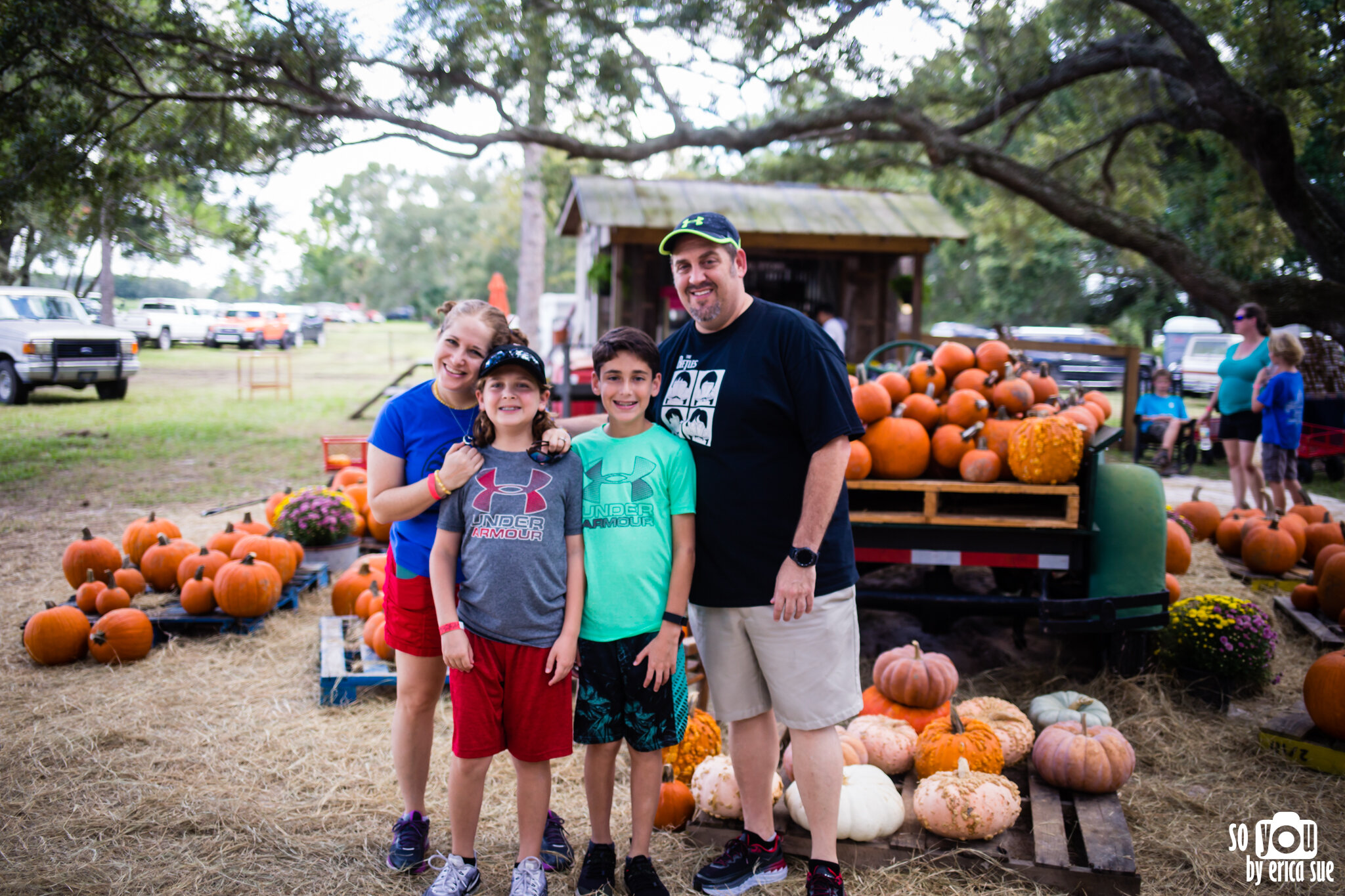 so-you-by-erica-sue-disney-photography-family-mickey-not-so-scary-partin-ranch-corn-maze-old-town-orlando-4238.jpg