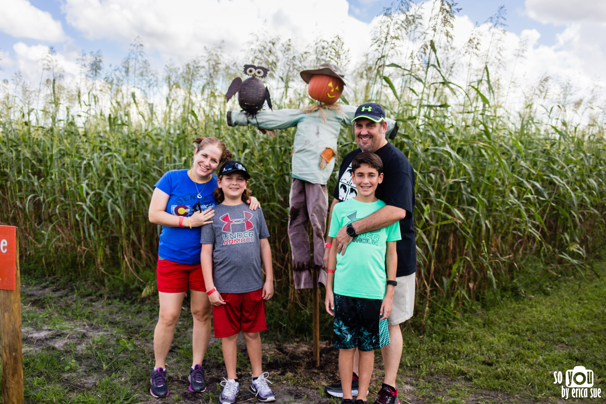 so-you-by-erica-sue-disney-photography-family-mickey-not-so-scary-partin-ranch-corn-maze-old-town-orlando-4244.jpg