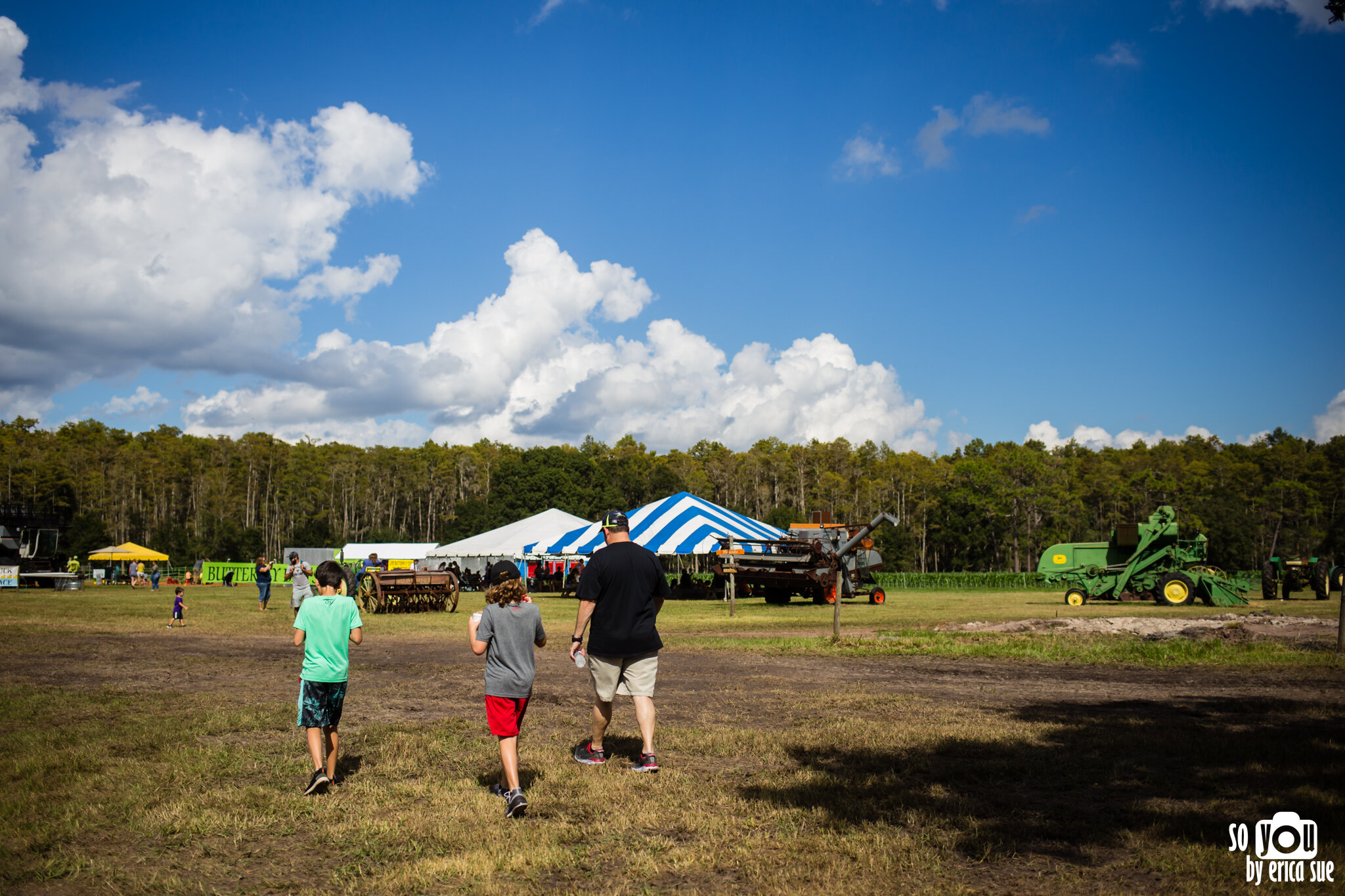 so-you-by-erica-sue-disney-photography-family-mickey-not-so-scary-partin-ranch-corn-maze-old-town-orlando-4308.jpg
