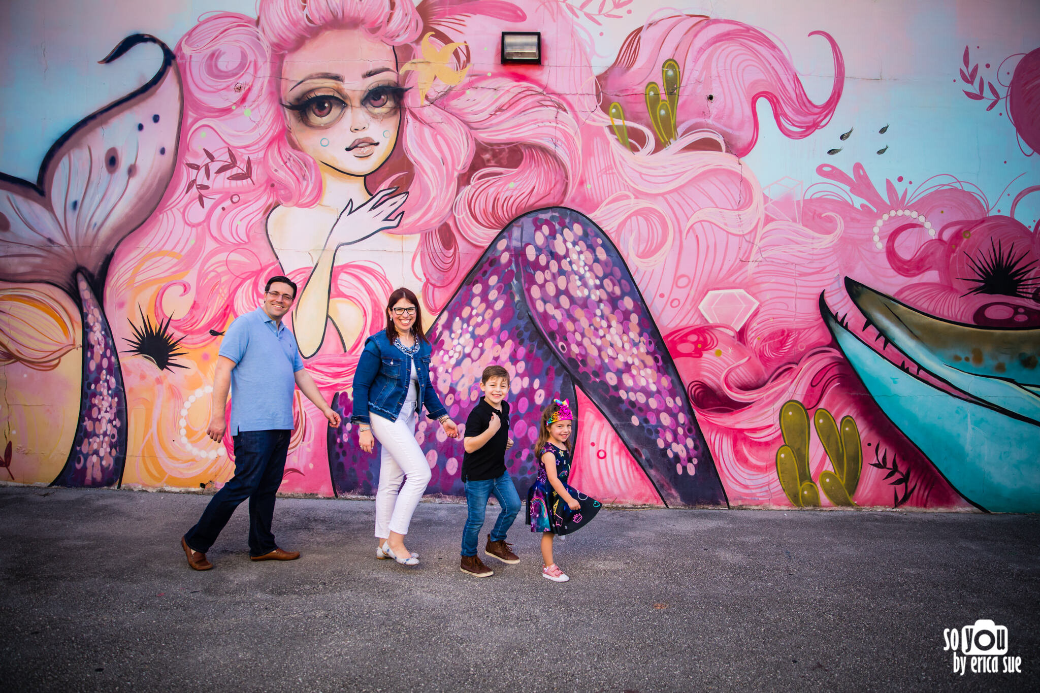 so-you-by-erica-downtown-hollywood-murals-lifestyle-family-photographer-.JPG