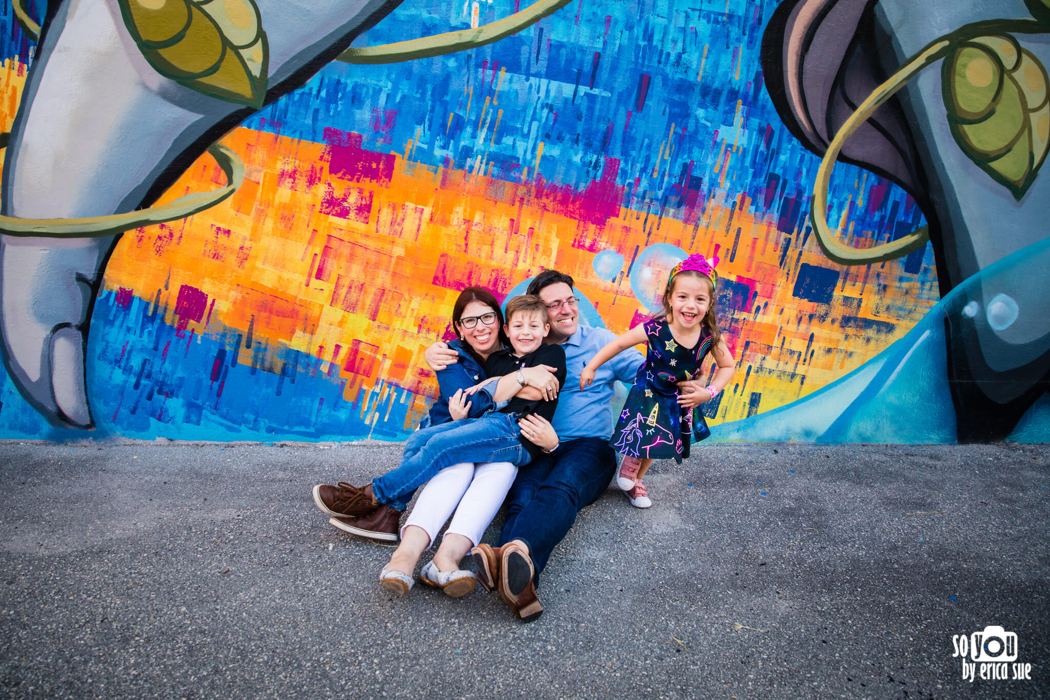 so-you-by-erica-downtown-hollywood-murals-lifestyle-family-photographer-9901.JPG