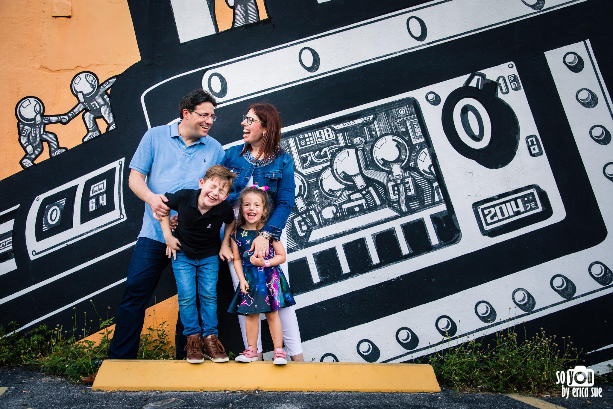 so-you-by-erica-downtown-hollywood-murals-lifestyle-family-photographer-0388.JPG