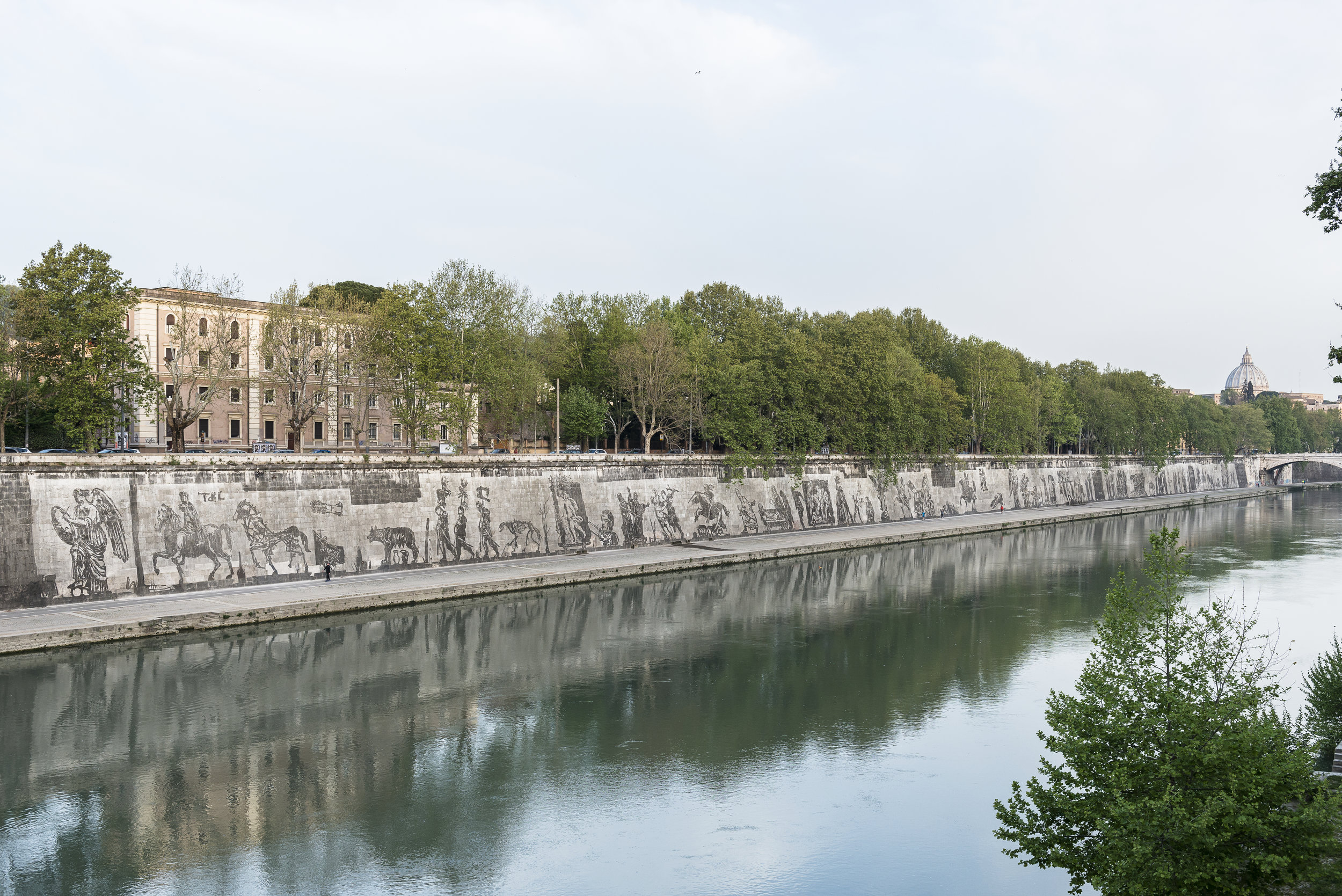 View from across the Tiber  , April 12, 2016. Photo by S. Luciano. Courtesy of   Tevereterno.