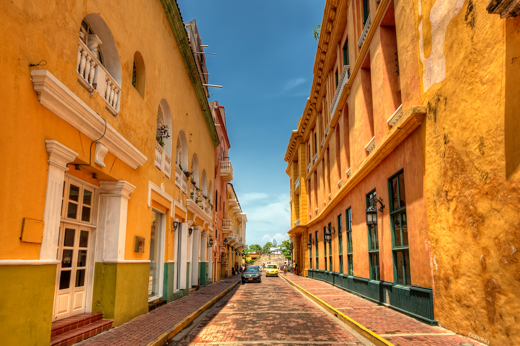 Old City - Why You Should Come To Dental Tourism Colombia In Cartagena For Your Cosmetic Work (Dr. Julio Oliver)