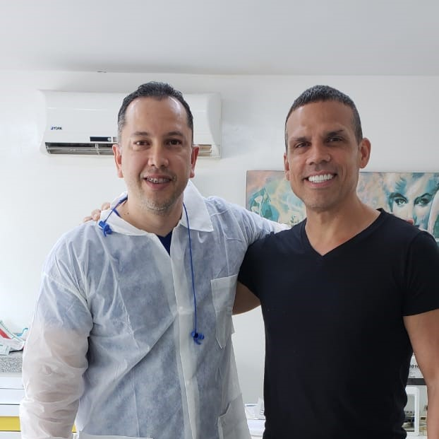Mark and Dr. Julio Oliver - The Cost Of Dental Crowns In Colombia (Cartagena)