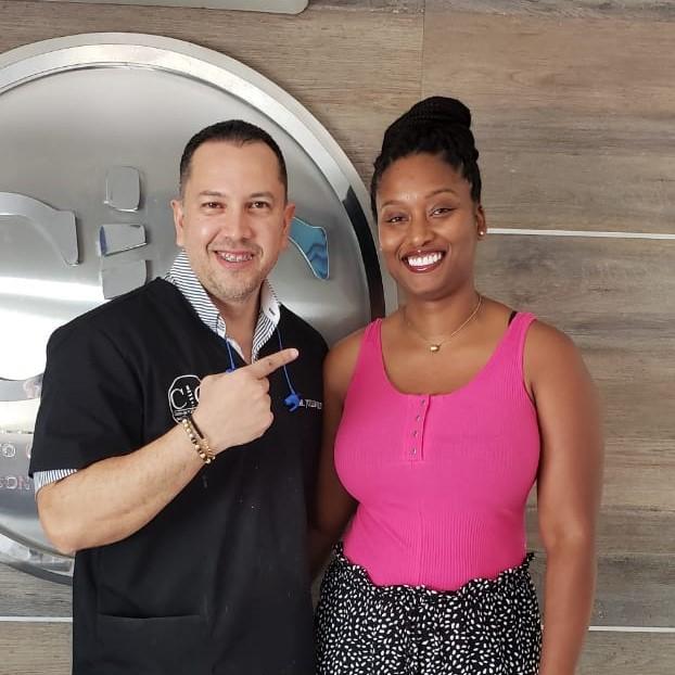 Dental Bridges in Colombia - Dr. Julio Oliver with Kamesha (Dental Tourism Colombia, Cartagena)