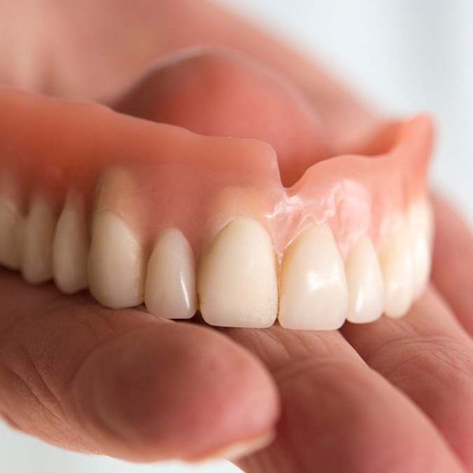 Full Dentures in Colombia (Dental Tourism Colombia)
