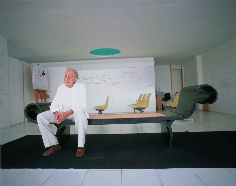 Oscar Niemeyer in his Rio de Janeiro studio