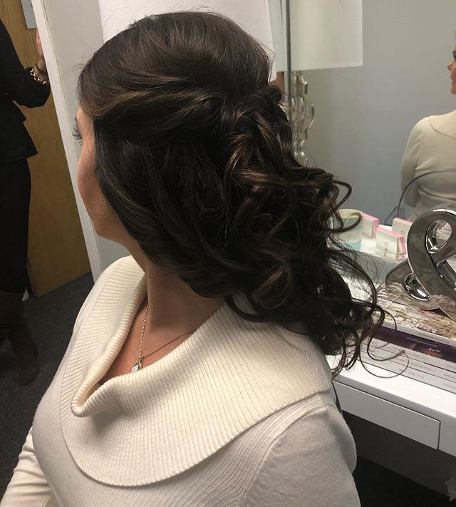 Curls, curls, curls! #neverenough  #hairbyleatrice #geminibride #bridalhair #weddinghair #hudsonvalleybridetobe #weddinghairtrial #weddinginspiration
