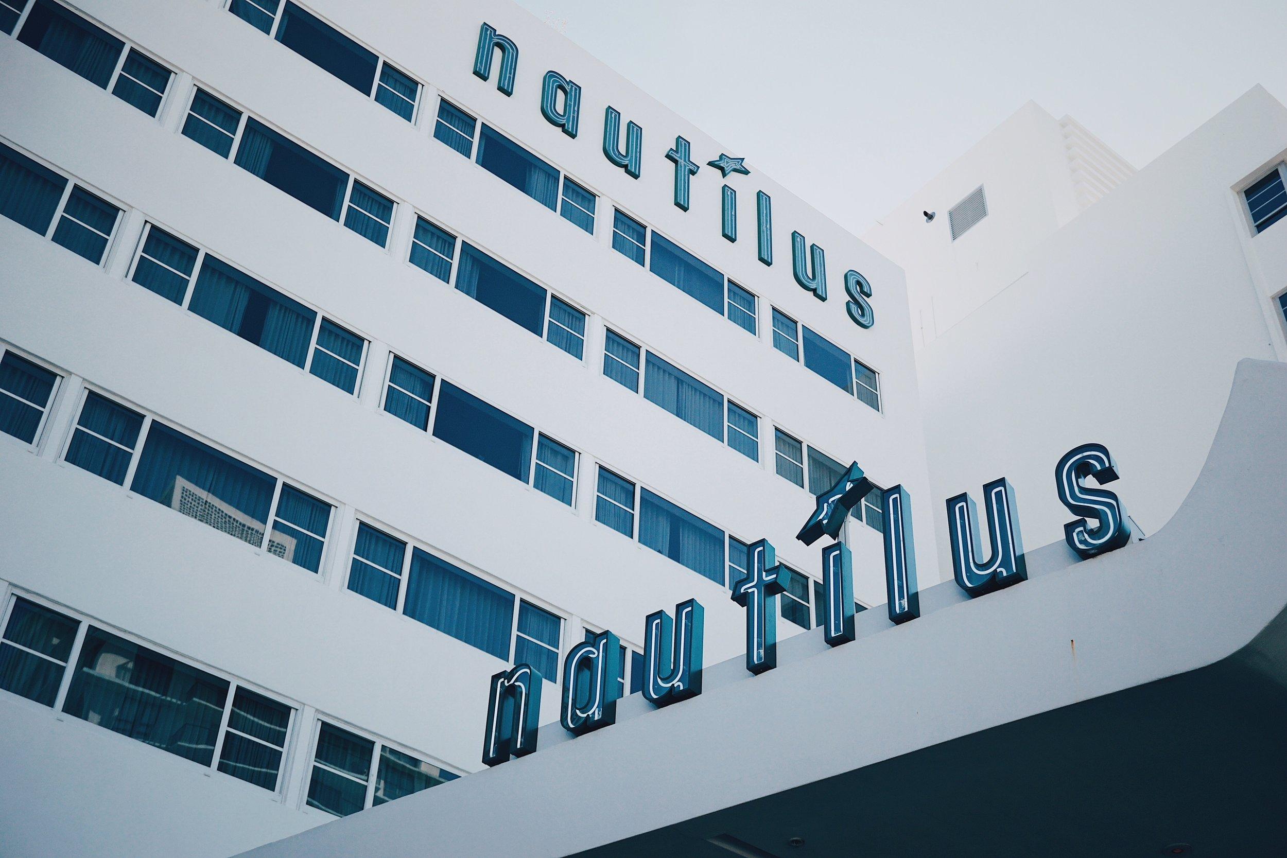 Miami Beach Hotels - Nautilus