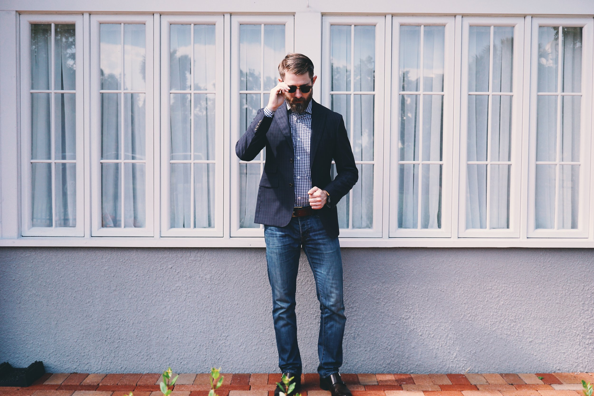 Ways to dress for casual Friday for men