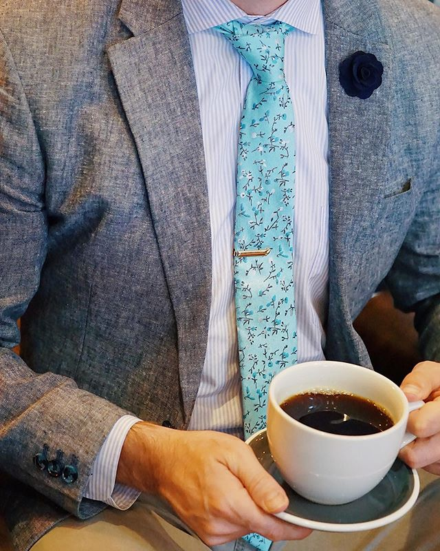 Some days are better than others... For the tough ones... temporarily relief ☕️ ————————————————————— Shirt: @billy_reid  Jacket: @originalpenguin  Tie: @trendzco  Lapel Pin: @the_dark_knot  Tie Bar: @gentlemansbox  Est: @foxtailcoffeeco  Photo Credit: @yadiakatherine