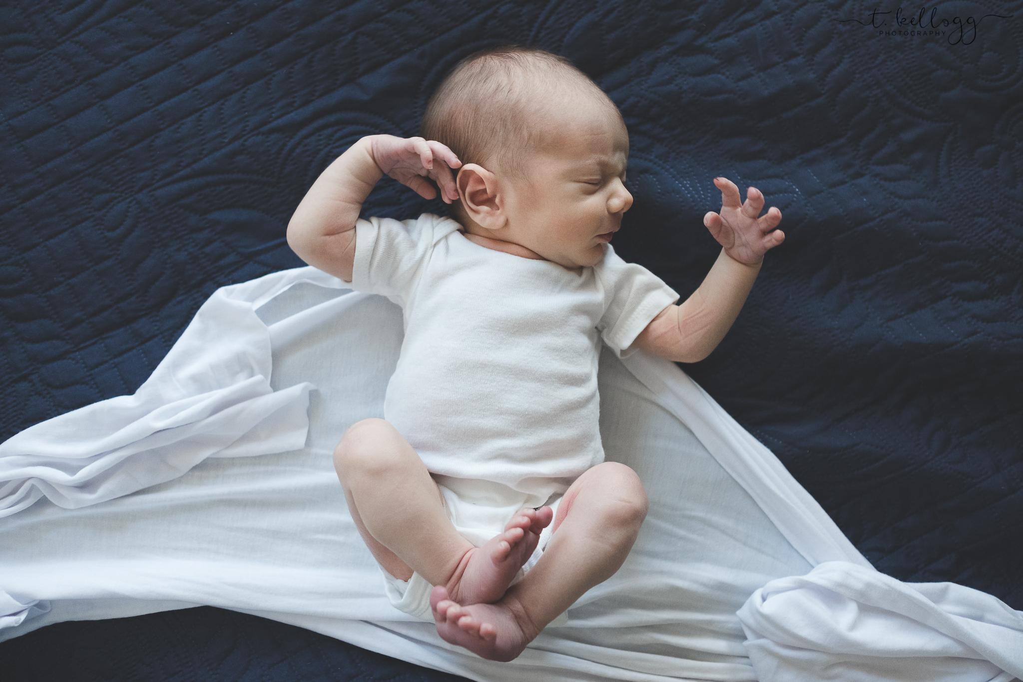 newborn-stretch