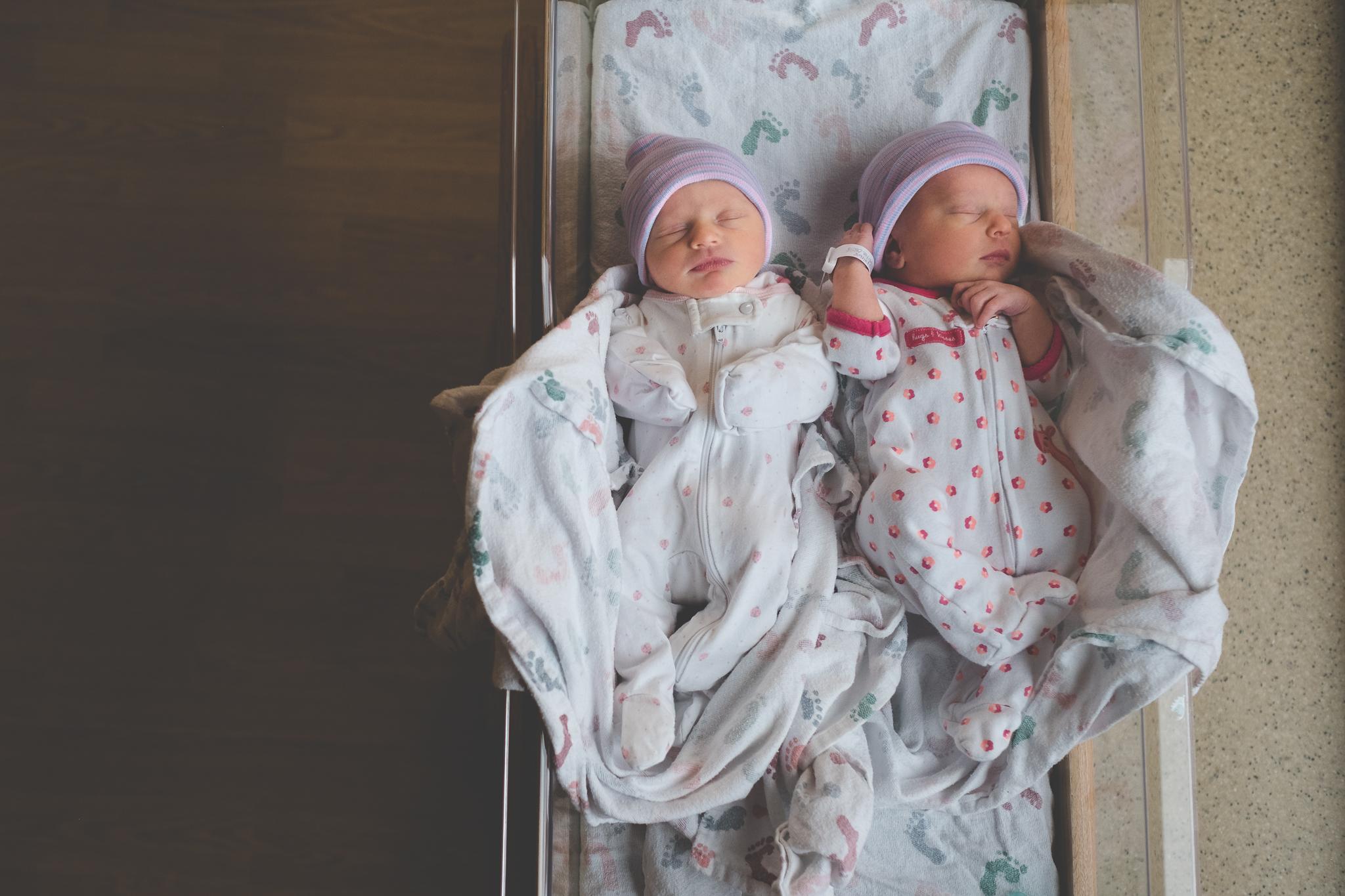 twins-vail-newborn-photo