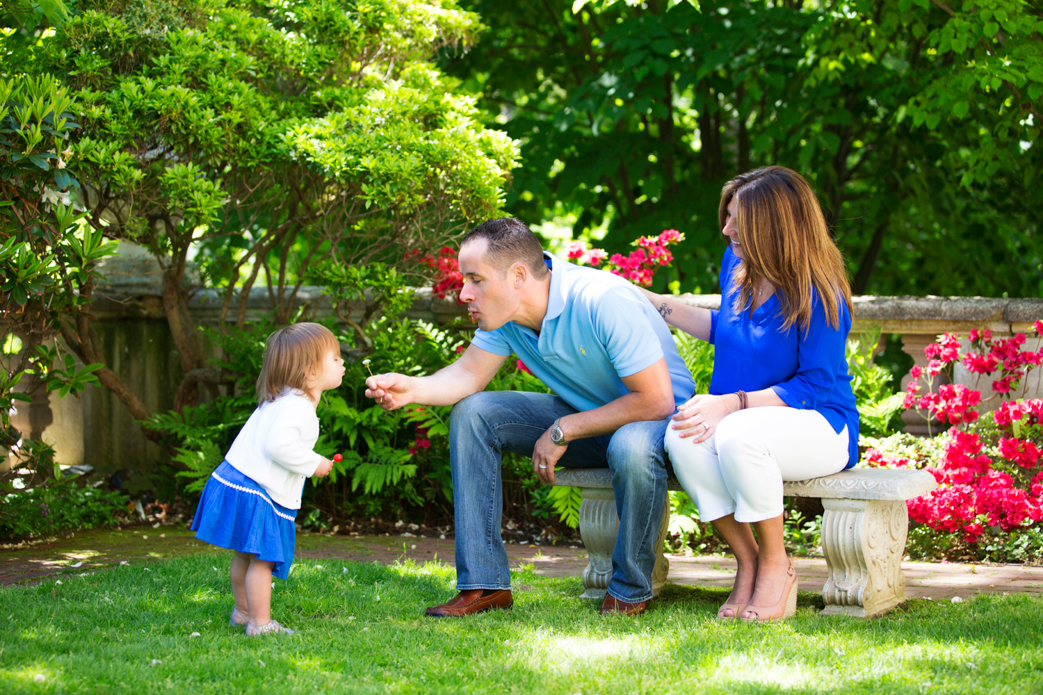 Spring time is a wonderful time to have your family portrait taken. Centerport NY