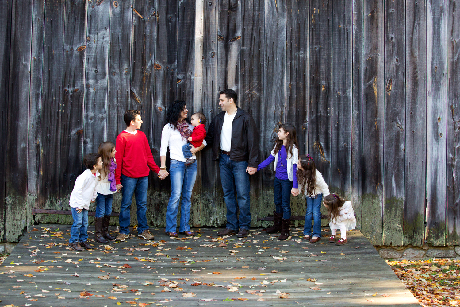 Veteran-family-portrait-Barn-kids-shoot.jpg