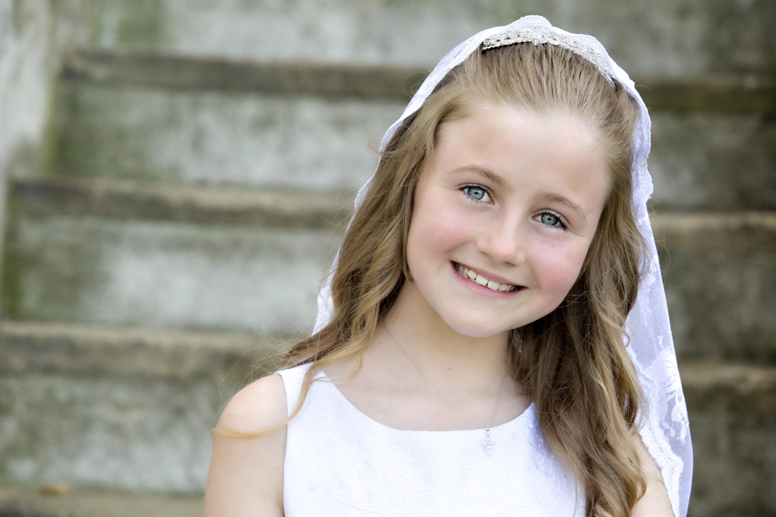 Holy-Communion-Portrait-Girl- Vanderbilt-Museum-NY-photoshoot.jpg