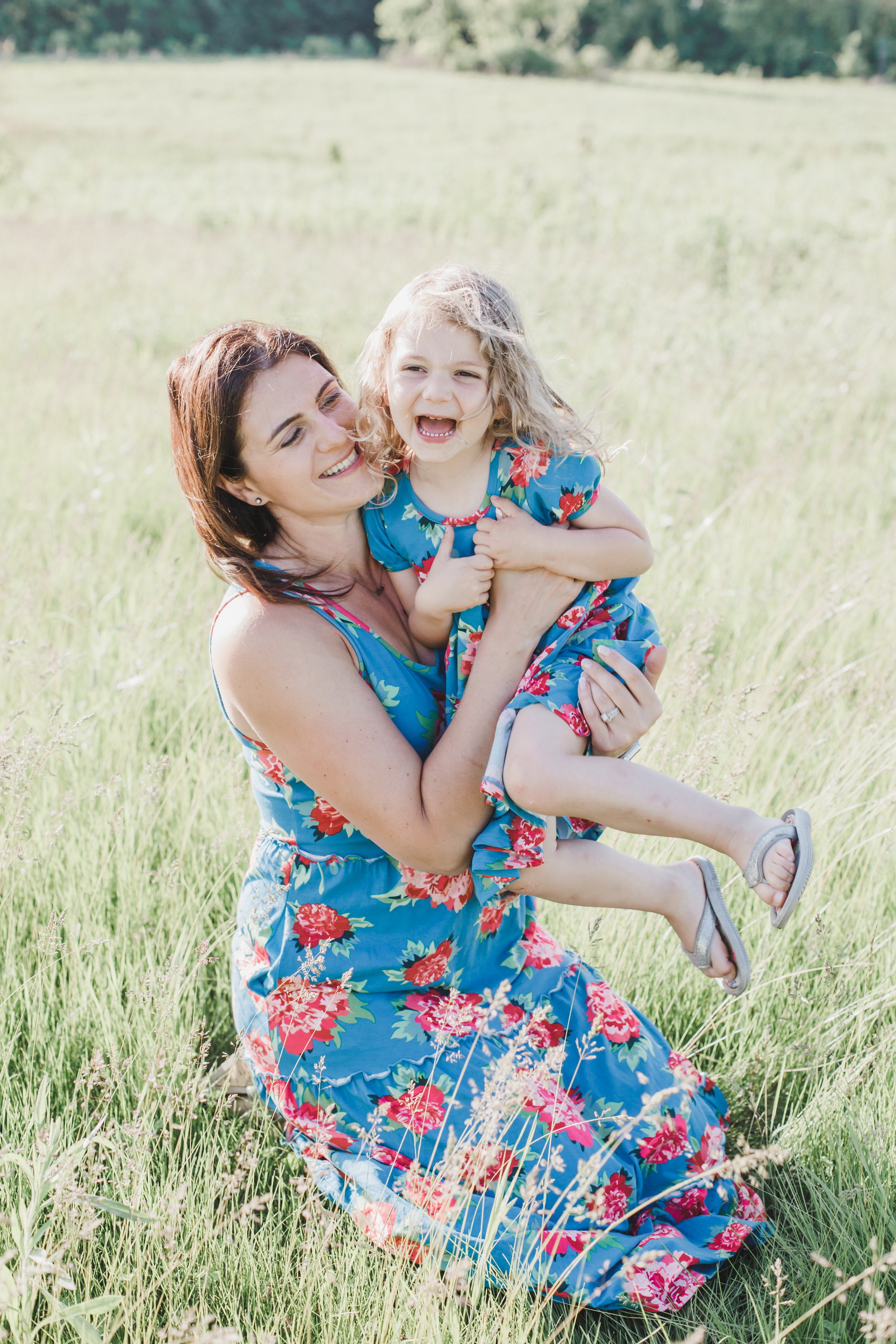 """""""We loved having Rachael do our family photos! She was amazing with the 3 kids and capturing us in our daily reality but in a beautiful way! She even brought treats for the kids to keep their attention and it worked!! We will definitely have her do all our family photos!"""" - - Hamm Family"""