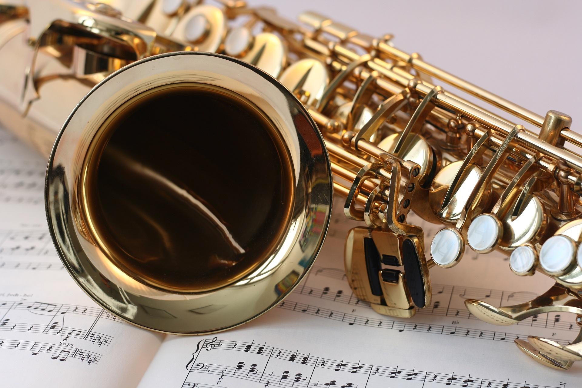 saxophone-music-gold-gloss-45243.jpeg