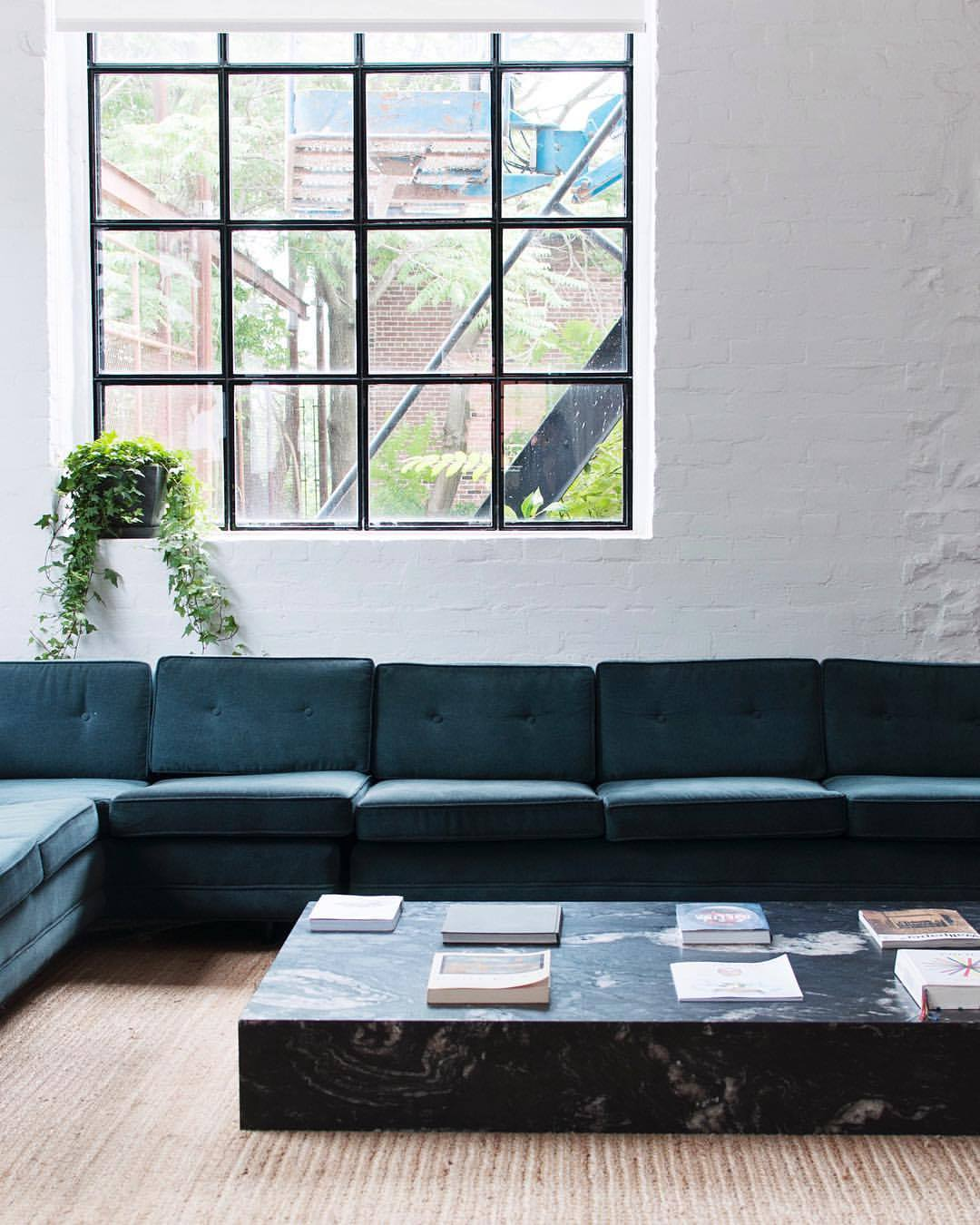 GREEN_LOUNGE_COUCH.jpg