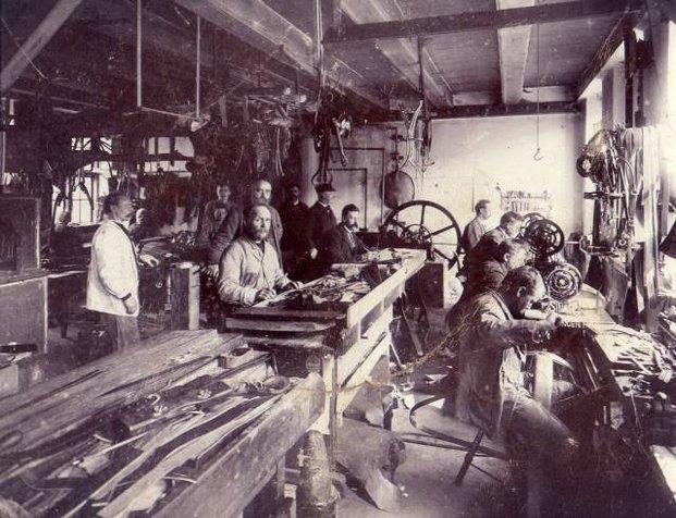 Dahlman's saddle workshop, 1889