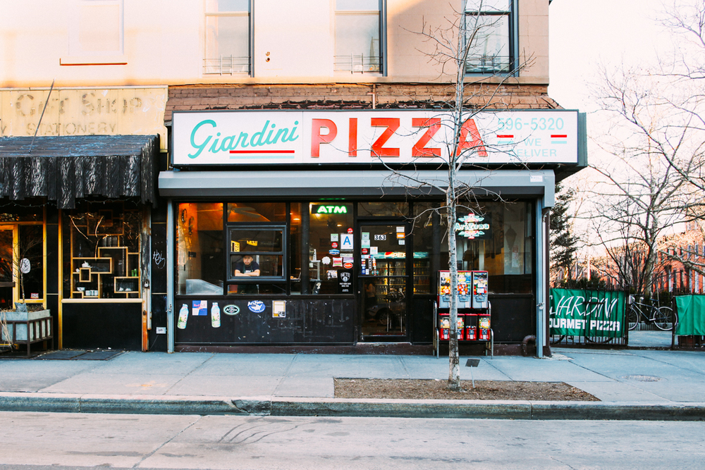 Exterior of Giardini Pizza