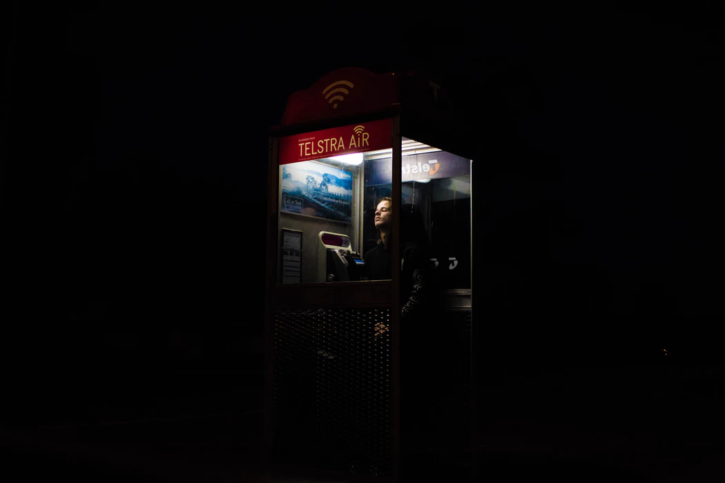 solopreneur using a wifi hotspot to access internet