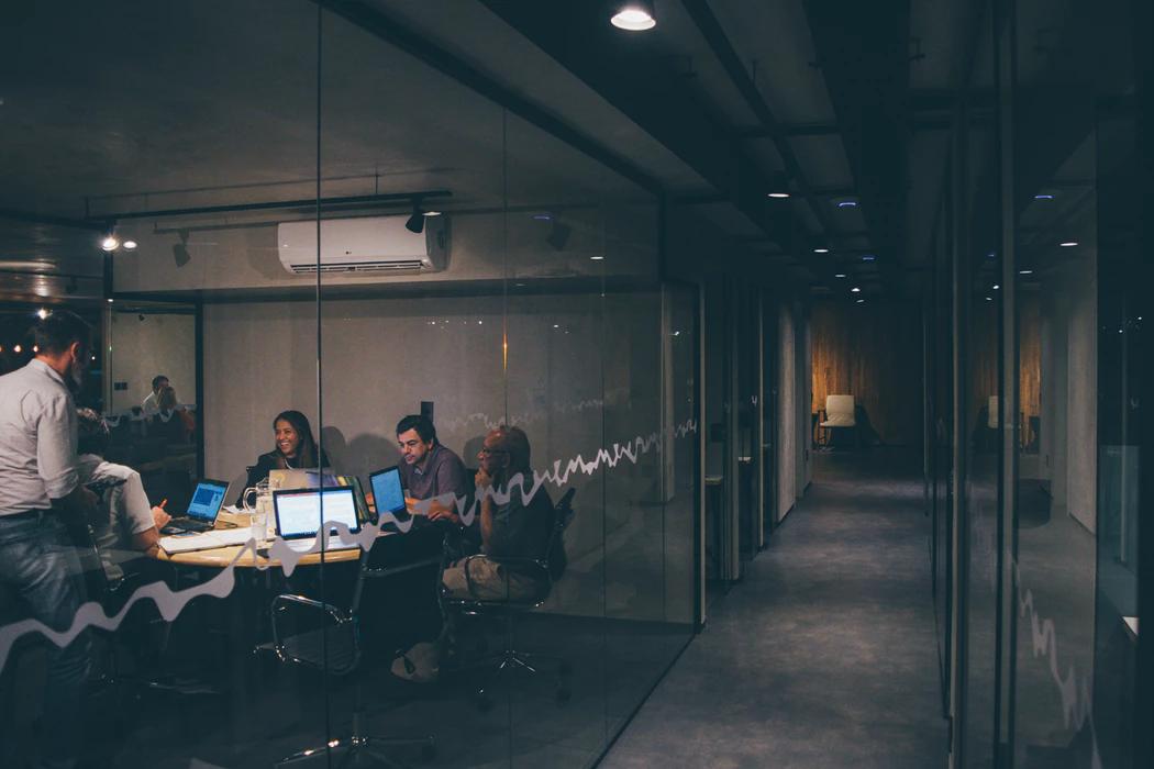startup team working convertible debt numbers