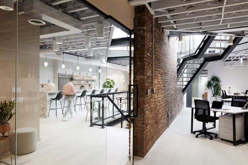 Open office space where professionals learn how to start a small business