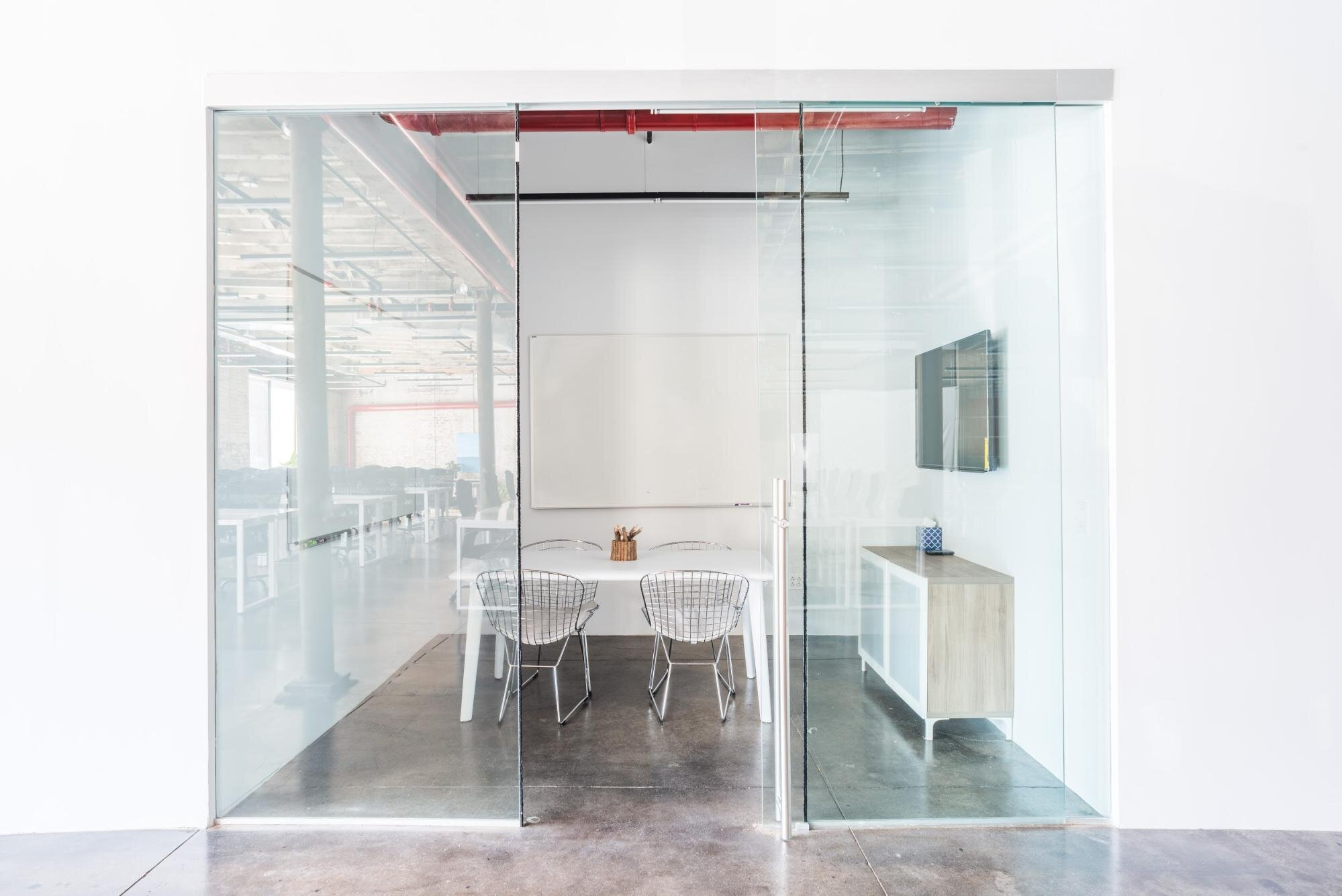 Bond Collective Space For Virtual Meetings