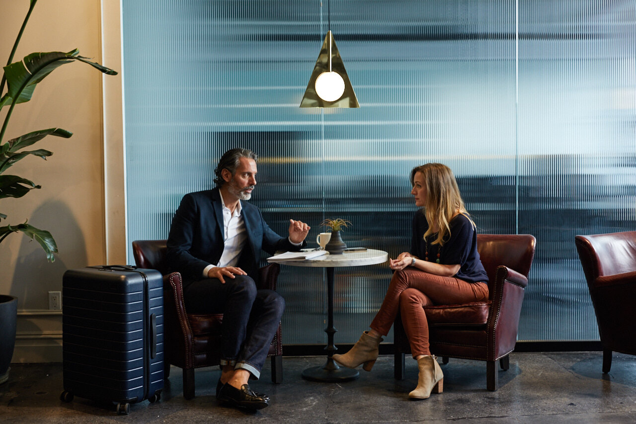 Employees resolving conflict in the workplace