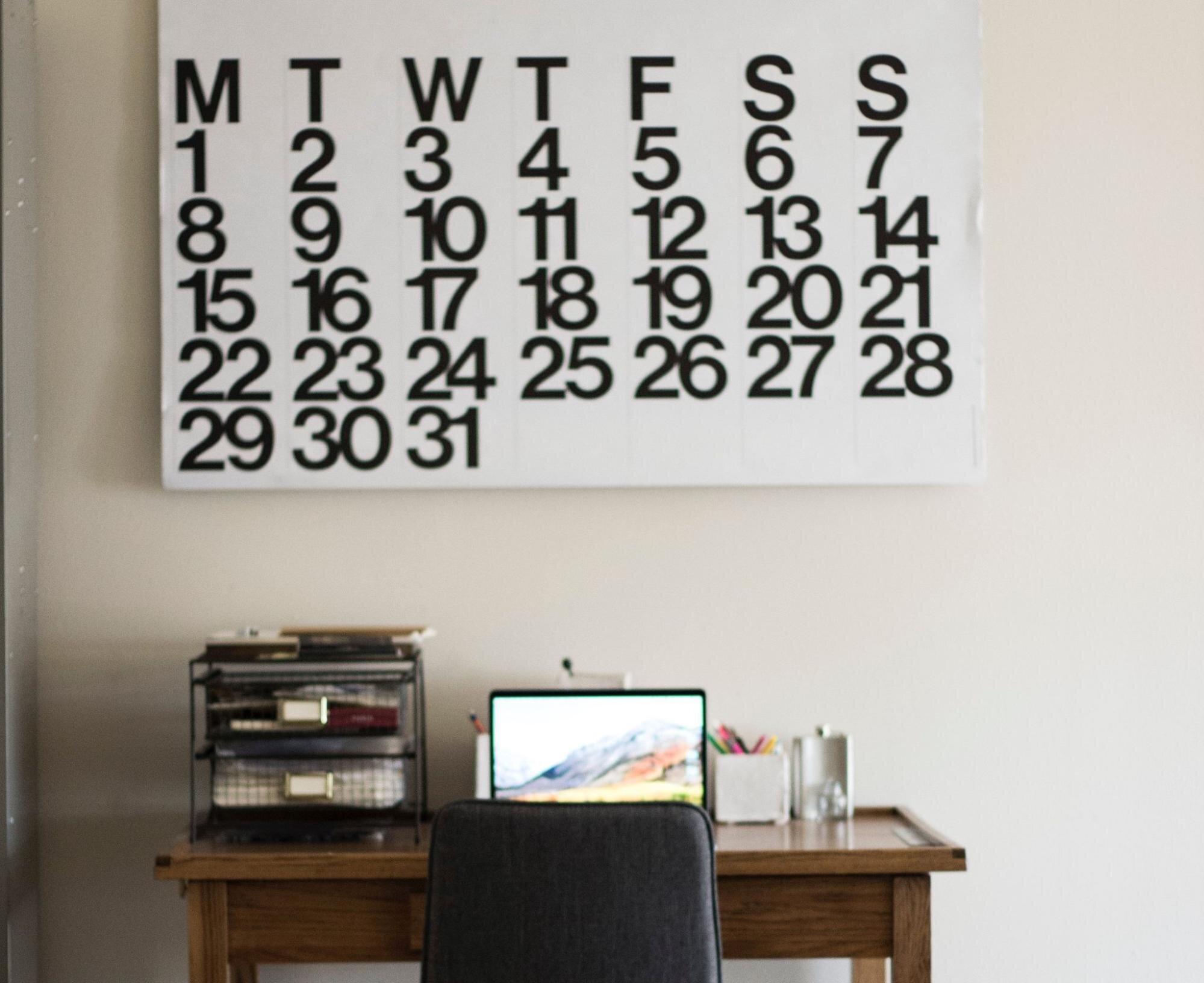 Big wall calendar in a flexible work arrangement