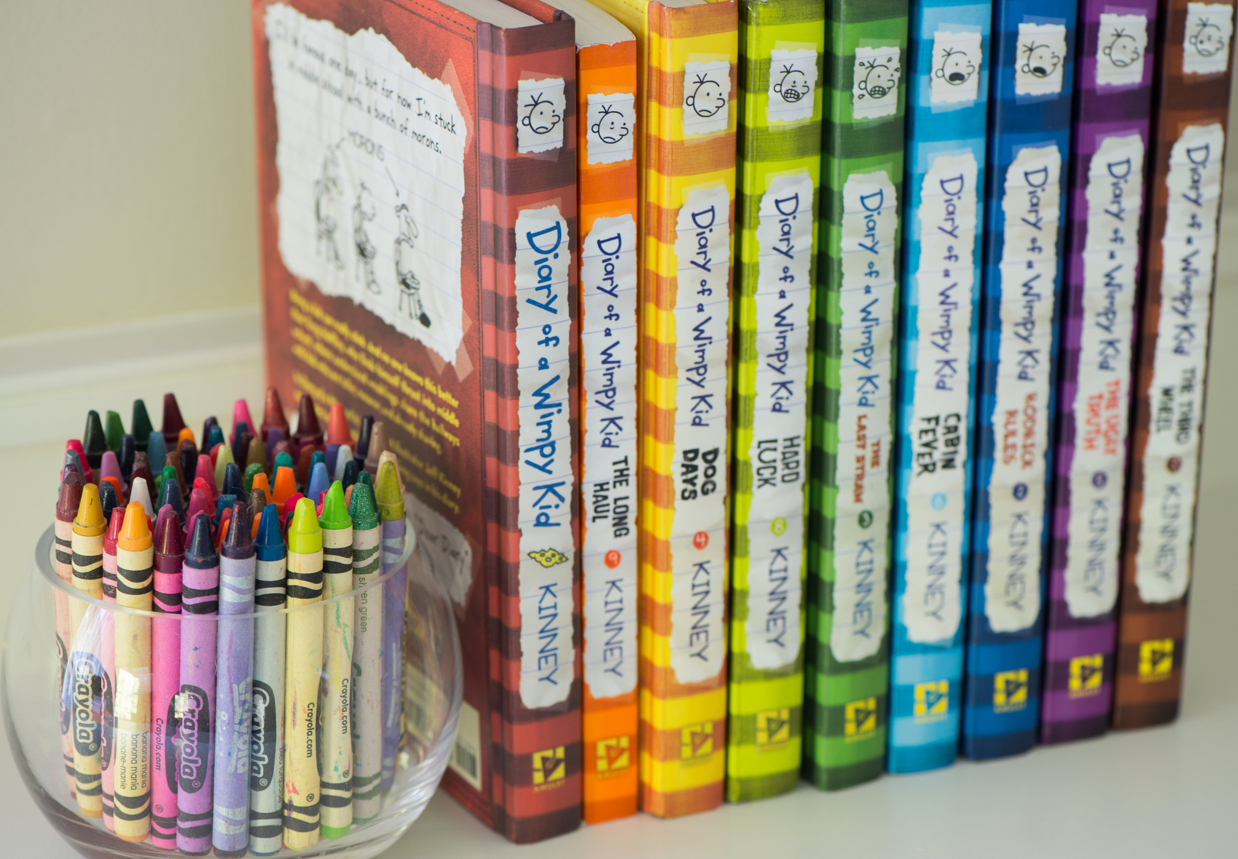 DETAILS - BOOKS AND CRAYONS