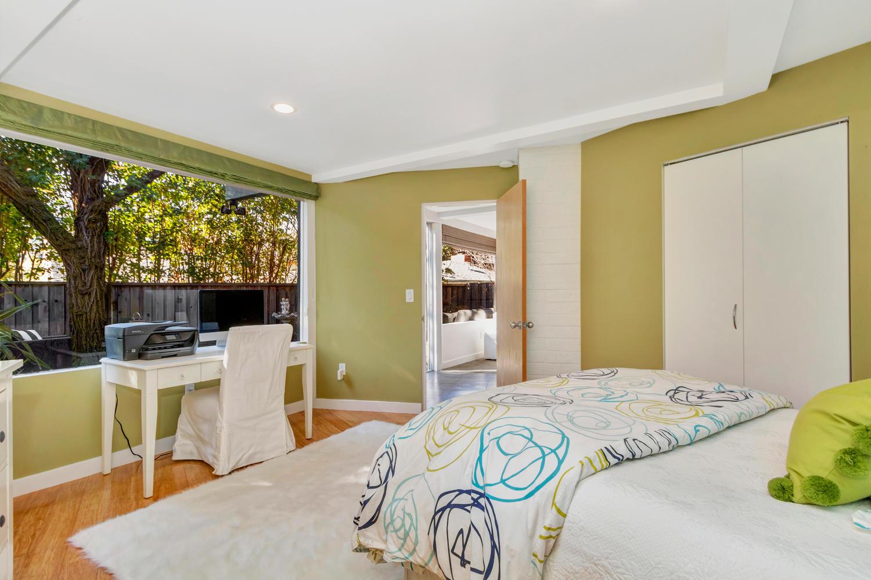 40 Acacia Dr Orinda CA 94563-large-044-3-EnSuite Bedroom 3-1500x1000-72dpi.jpg